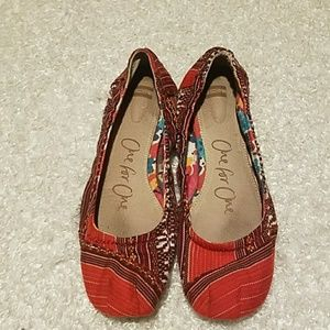 Toms One for One size 8 aztec
